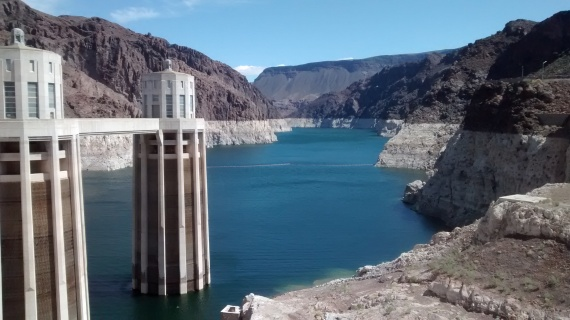 A better vantage point of the historic low water level, and the majesty of this engineering marvel.
